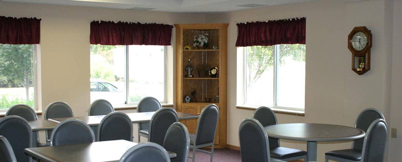 lake-plaza-1-dining-room1